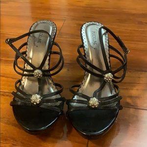 Madeline Stuart black 2 1/2 inch heels